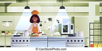 nő, főzés, szakács, növényi, vaskos, fogalom, afrikai, egyenruha, bizottság, előkészítő, modern, belső, női, konyha, élelmiszer, séf, faragás, amerikai, saláta, profi, portré, étterem, horizontális