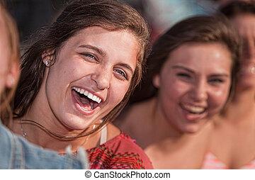 nő, fiatal, nevető