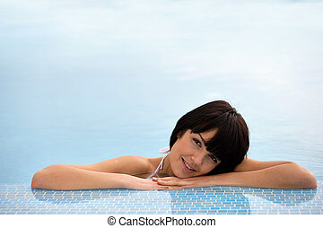 nő, fiatal, pocsolya, úszás