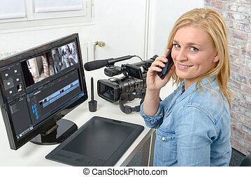 nő, fiatal, tervező, számítógép, video, használ, szerkesztés