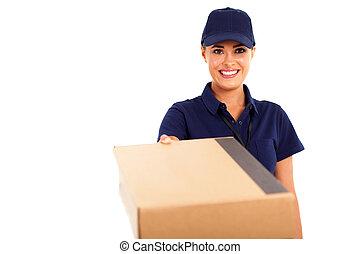 nő, futár, csomag szolgáltatás, átadó