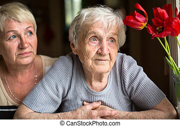 nő, gondolkodó, öregedő