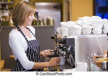 nő, gyártmány kávécserje, alatt, étterem, mosolygós