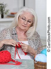 nő, kötés, idősebb