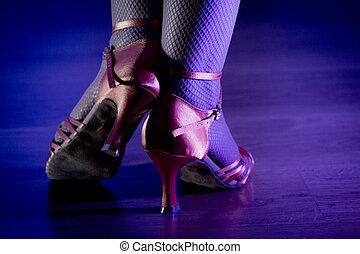 nő, lábak, tánc
