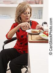 nő, meghibásodott, szendvics, gyártás, idősebb ember, konyha