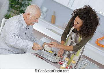 nő, neki, pozitív, beteg, nagyapa, takign, törődik