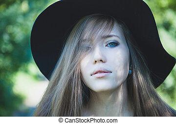 nő, noha, blue szem, alatt, fekete, hat., hideg, tone.