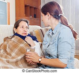 nő, törődik for, beteg, idősebb ember, anya