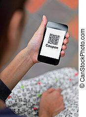 nő, telefon, mozgatható, qr, kéz, kupon, kód, birtok