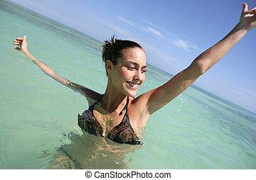 nő, tenger, úszás