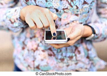 nő, texting, sms, képben látható, mobile telefon