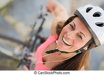 női, boldog, biciklista