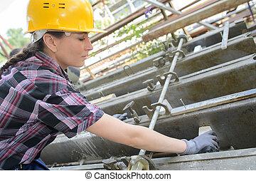 női, szerkesztés munkás, képben látható, házhely