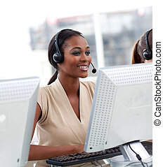 női, vevőszolgálat, ügynök, alatt, egy, hívás összpontosít