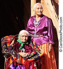 nők, navajo, bölcs, öregedő, szabadban
