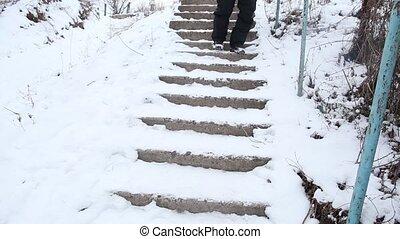 na dół, złamany, pieszy, schody, człowiek