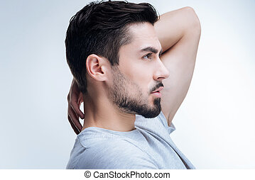 na moda, homem jovem, bravata, seu, novo, corte cabelo