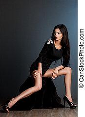 na moda, vestido preto, mulher, bonito