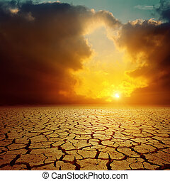na, pochmurny, zachód słońca, pomarańcza, pęknięty, pustynia