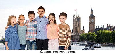 na, tulenie, londyn, uśmiechanie się, dzieci, szczęśliwy