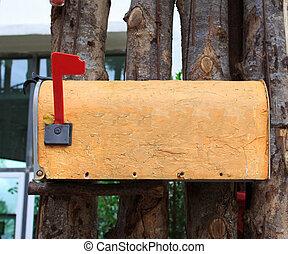 na wolnym powietrzu, stary, płot, żółty, skrzynka pocztowa,...