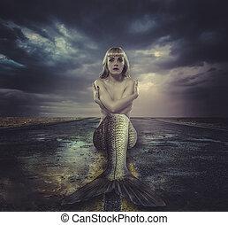 naakt, mermaid, zittende , op, een, verlaten, straat