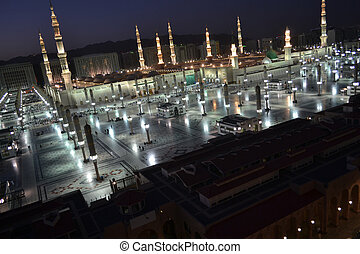 Nabawi Mosque in Medina at dusk