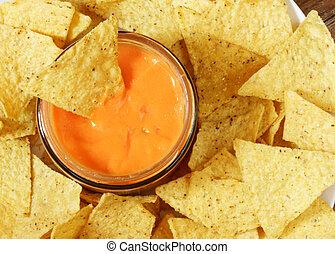 nachos, salsa