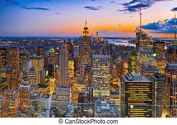 nacht, ansicht, von, manhattan, von, der, skyscraper's, beobachtung, deck., neu , york.