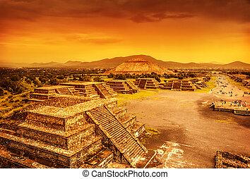 nad, pyramida, západ slunce, mexiko