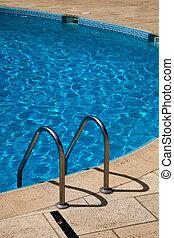 nade, piscina