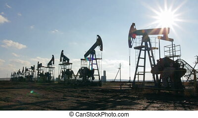 nafta, sylwetka, pracujący, słońce, przeciw, pompy