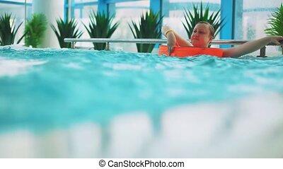 nager, fils, maman, pool.