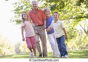 nagyszülők, gyalogló, grandchildren.
