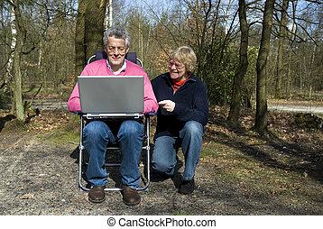 nagyszülők, laptop