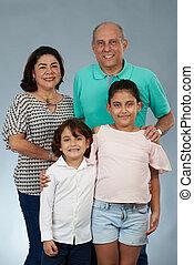 nagyszülők, mosolygós, gyerekek, boldog