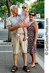 nagyszülők, unoka, boldog