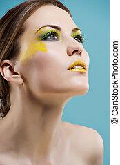 nahaufnahme, porträt, von, schöne , kaukasier, junge frau, mit, perle, glanz, make-up, und, schwarz, lippen