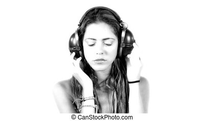 nahaufnahme, von, schöne , junge frau, hören musik, auf,...