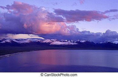Nam Co Lake