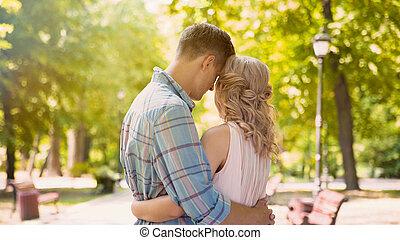 namorado, beleza, ondulado-cabeludo, ternamente, abraçar, proposta, sentimentos, bonito