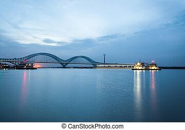 nanjing, kolej żelazna, yangtze rzeka, most, na, zmierzch