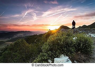 napkelte, a hegyekben