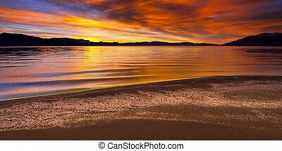 napkelte, -ban, piramis tó, nevada., meglepő, élénk, befest, alatt, a, sky.