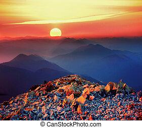 napkelte, képben látható, a, sziklás, csúcs