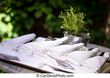 napkins with silverware pouch