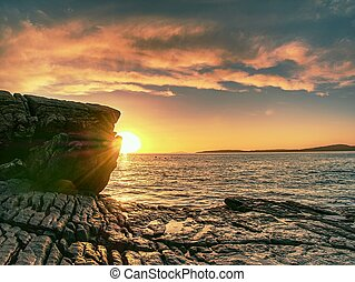 napnyugta, horizon., tengerpart, február, bay., köves, ...
