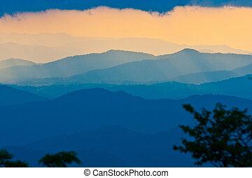 napnyugta, képben látható, a, blue hegygerinc parkway, alatt, north carolina
