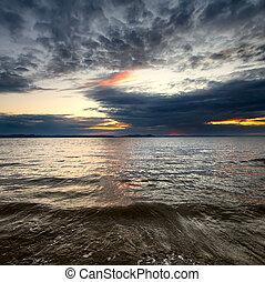 napnyugta, kilátás a tengerre